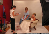 Julia, Judy and Renee discuss poses for the Princess Diaries scene